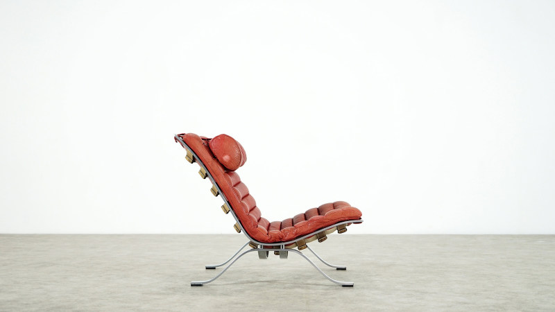 Arne Norell Ari Lounge Chair right side