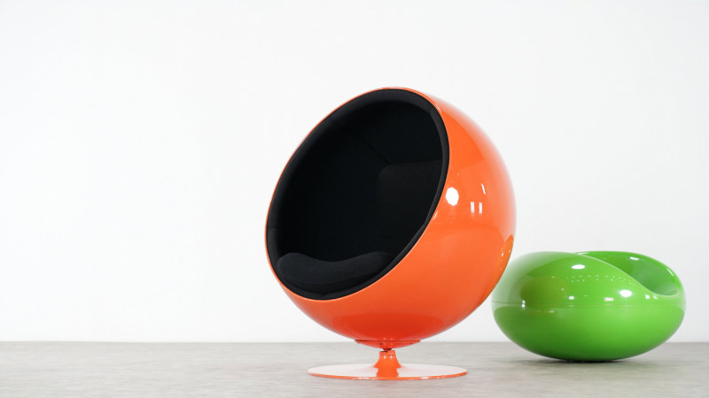 Eero Aarnio Ball Chair with pastille