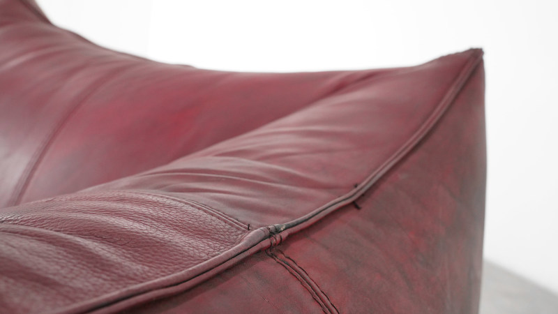 Mario Bellini Bambole Sofa leather detail