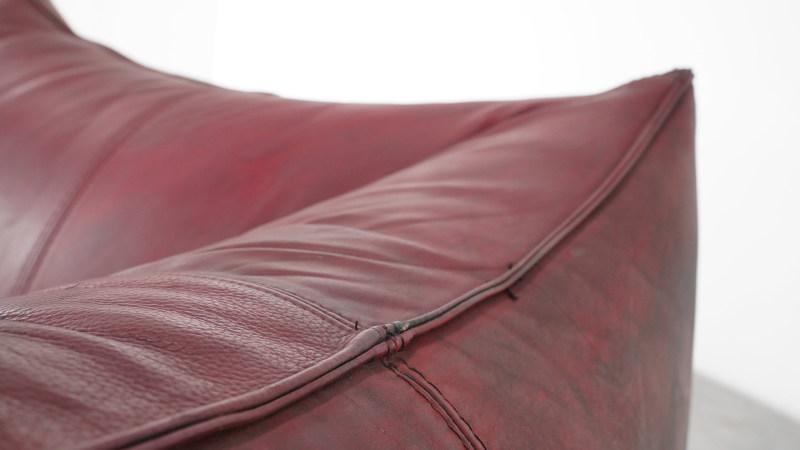 Mario Bellini Bambole Sofa leather detail