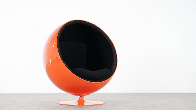 Eero Aarnio Ball Chair half front view
