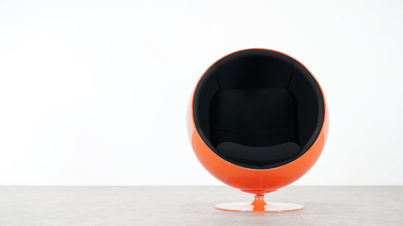 Eero Aarnio Ball Chair front view