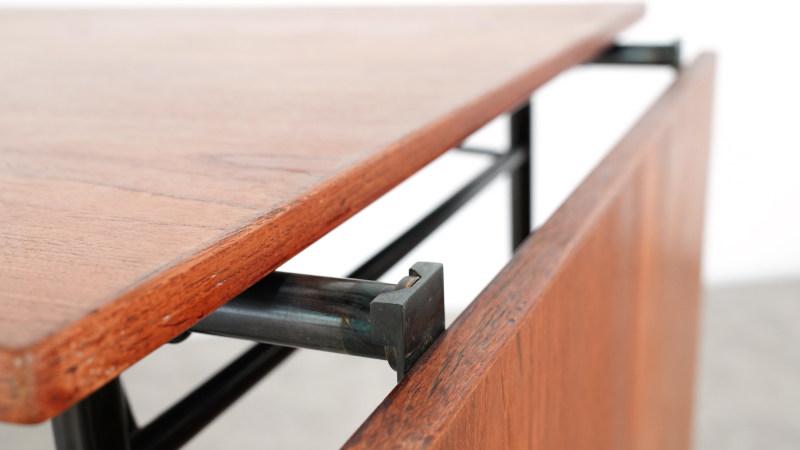 Finn Juhl Nyhavn Table Detail three