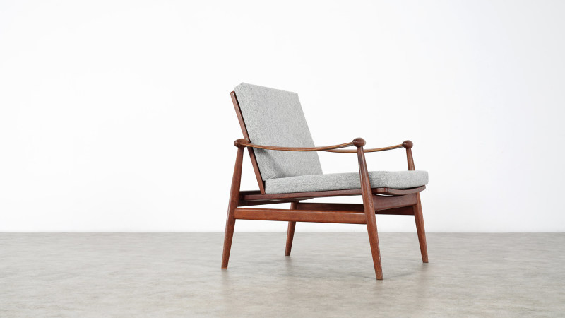 finn juhl spade chair side view right