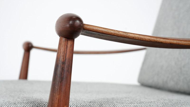 finn juhl spade chair detail view