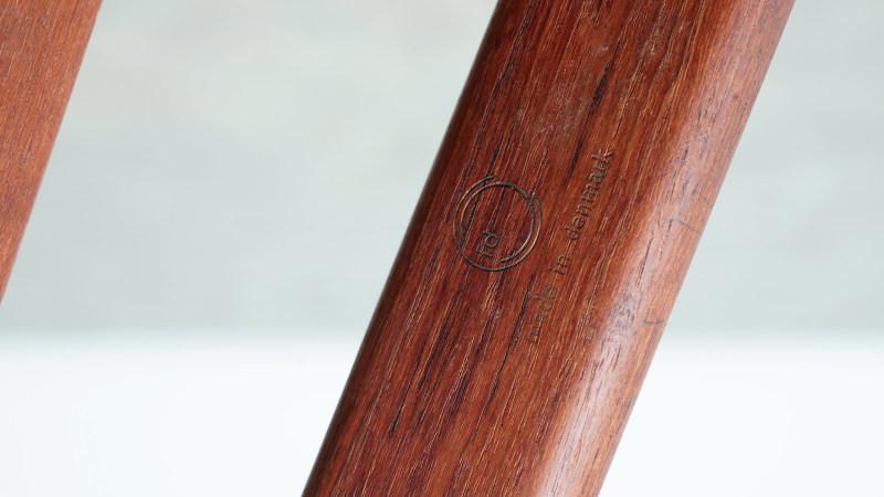 finn juhl spade chair logo view