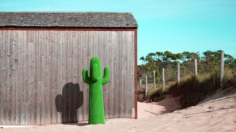 Gufram Kaktus in front of beach house