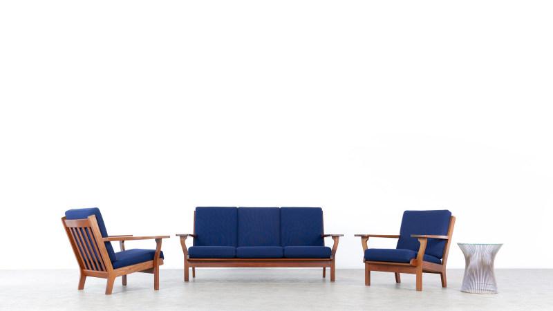Hans Wegner GE320 Chair Getama Sofa