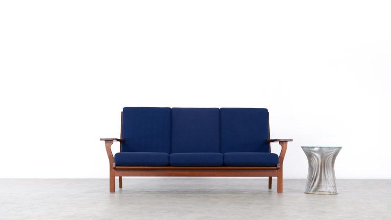 Hans Wegner GE320 Getama Sofa