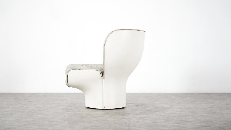 Joe Colombo; Elda Chair left side