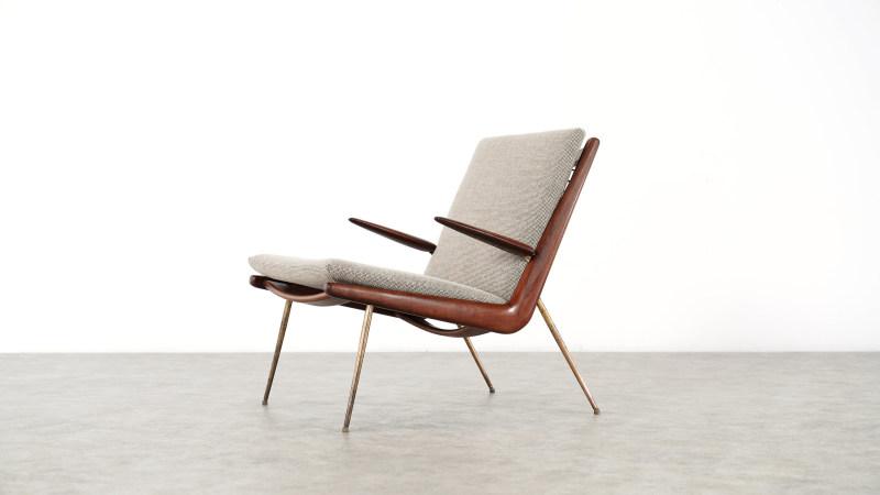 peter hvidt boomerang chair left side closeup