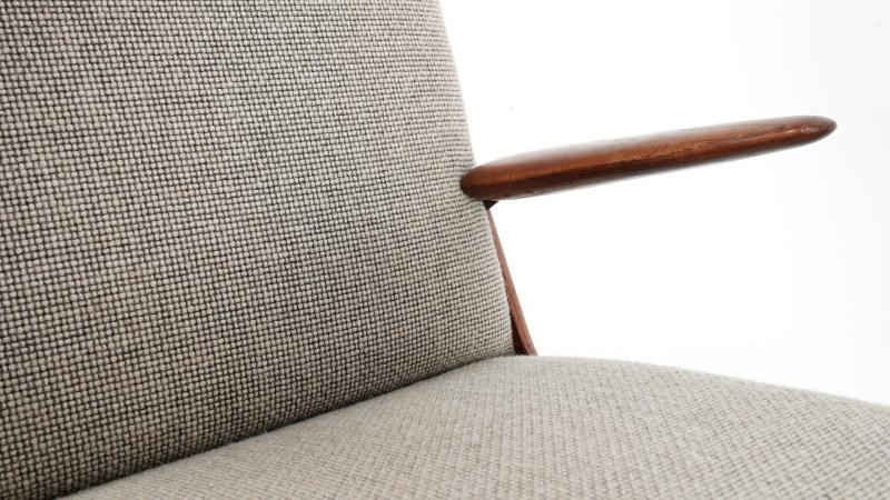 peter hvidt boomerang chair upholstery detail