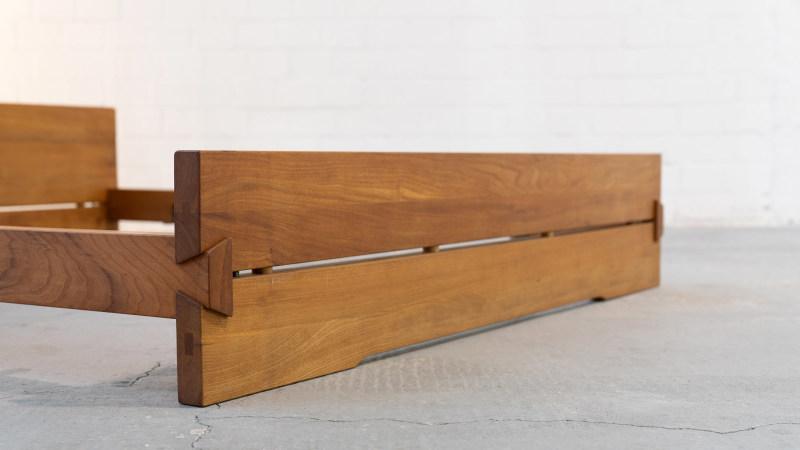 Pierre Chapo Bett Ansicht der Holzverbindung