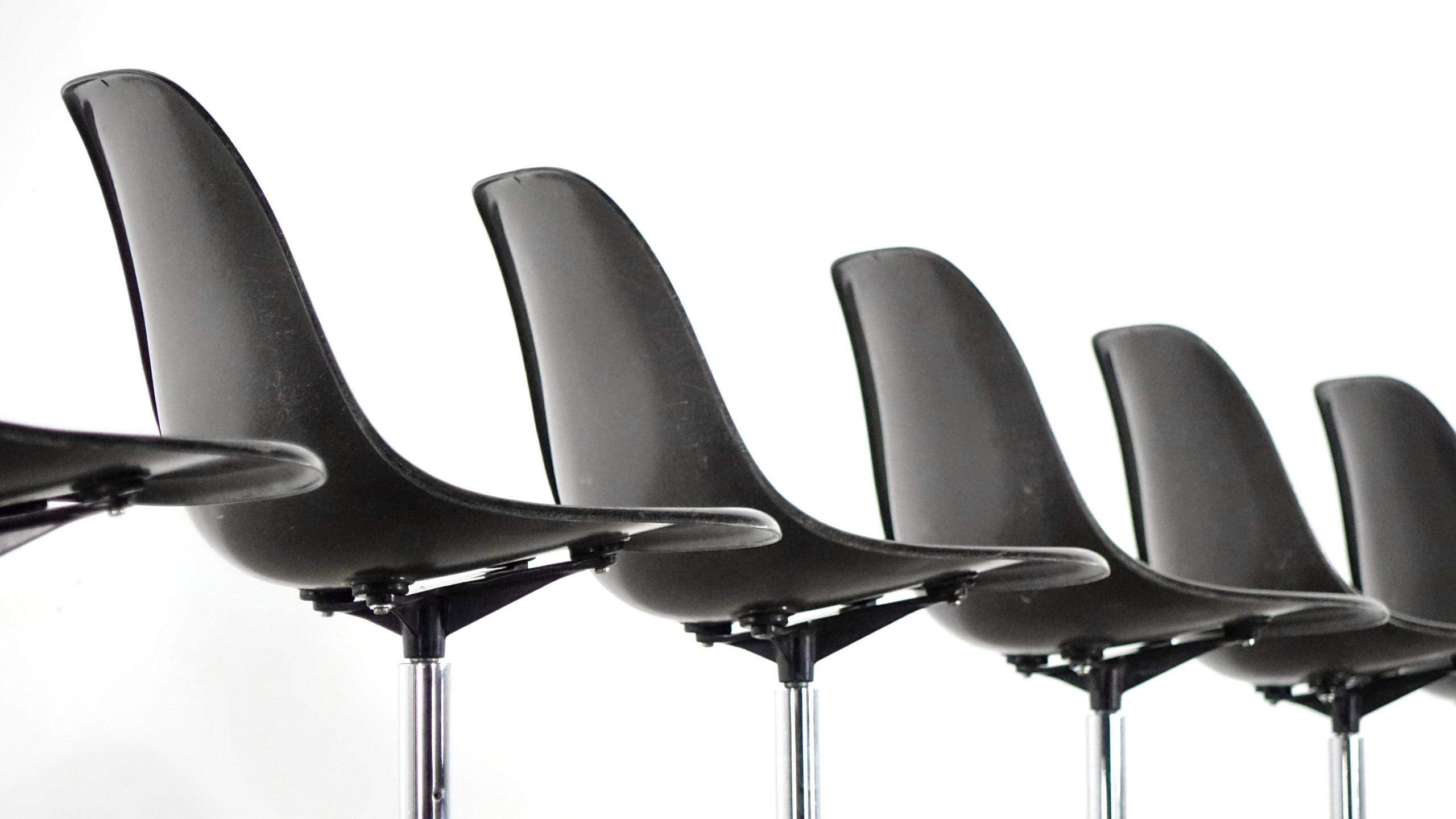 Charles eames rare set of barstool chair herman miller for Barhocker retro