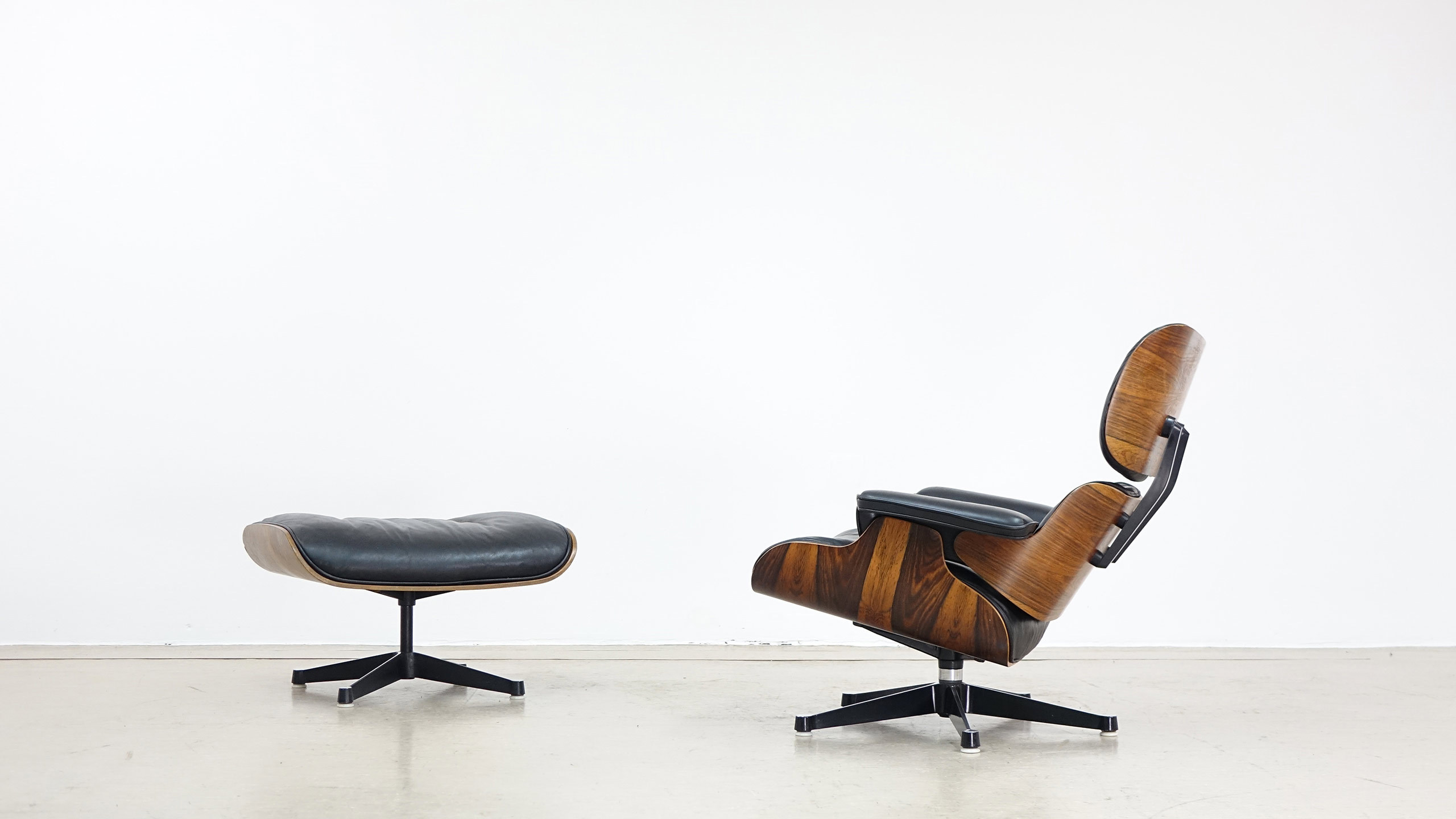 Eames Lounge Stoel : Charles ray eames lounge chair by contura fehlbaum