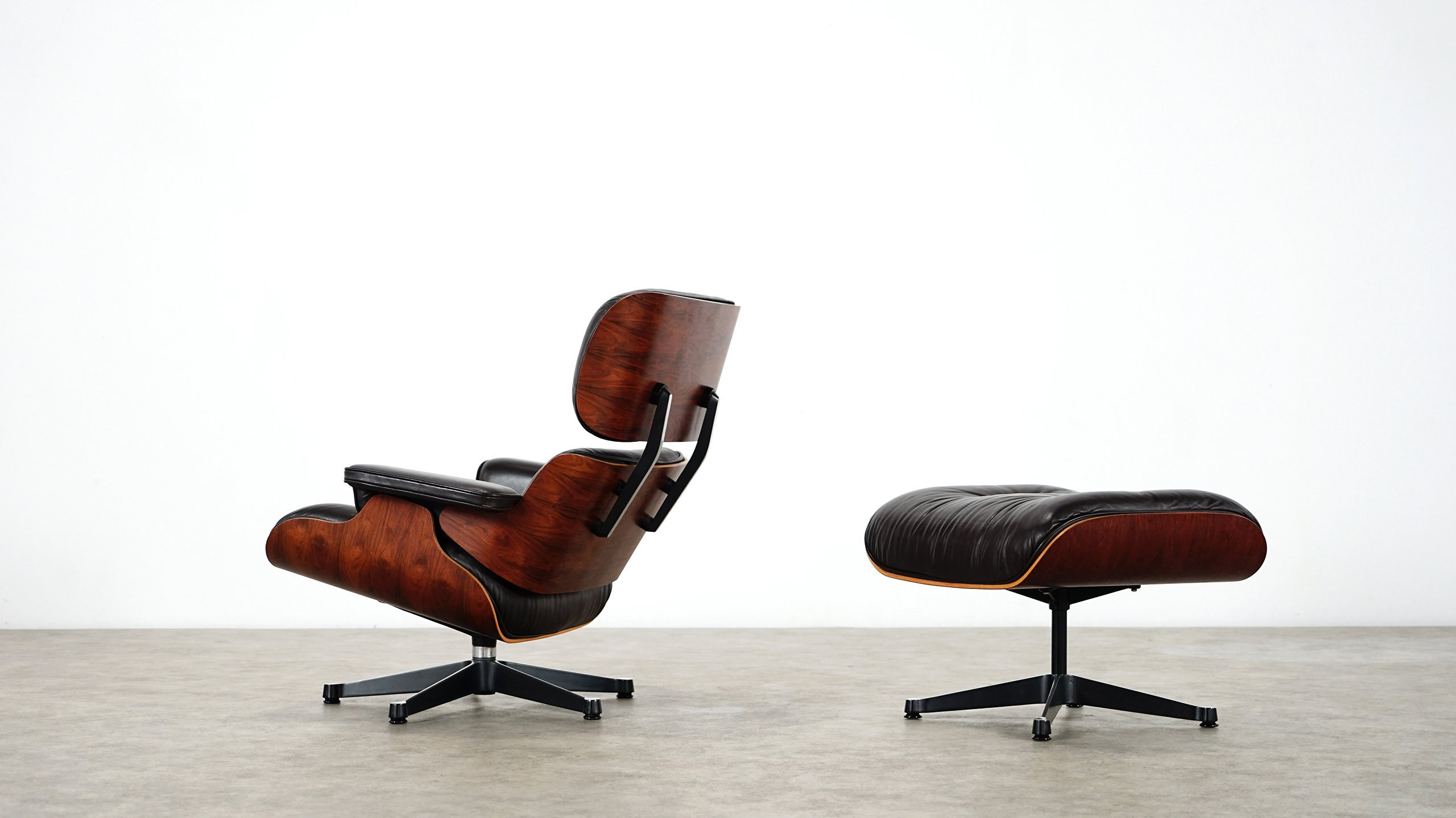 Charles eames lounge chair ottoman by herman miller for Charles eames lounge chair nachbildung