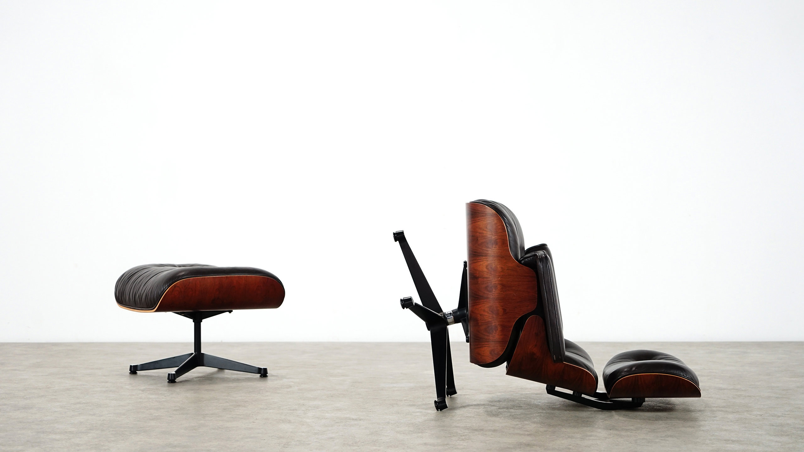 charles eames lounge chair ottoman by herman miller. Black Bedroom Furniture Sets. Home Design Ideas