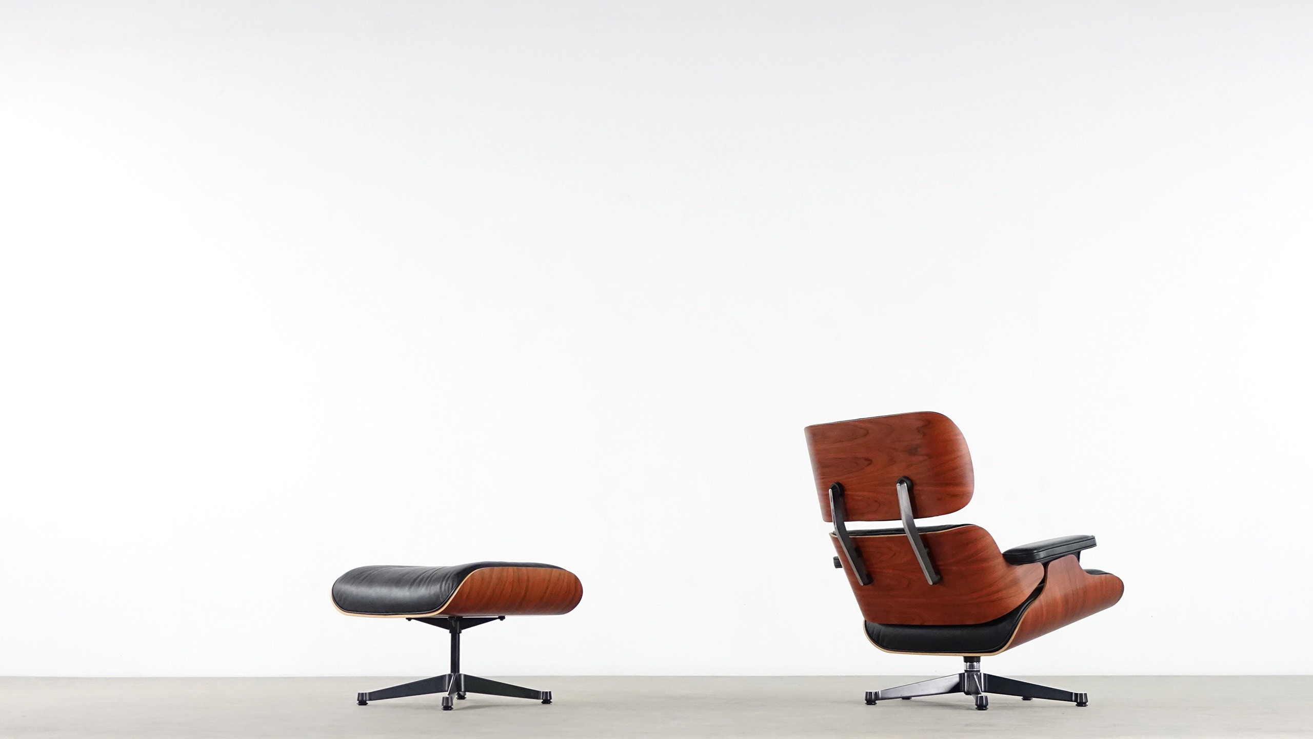 Charles eames lounge chair by vitra for Eames sessel nachbau
