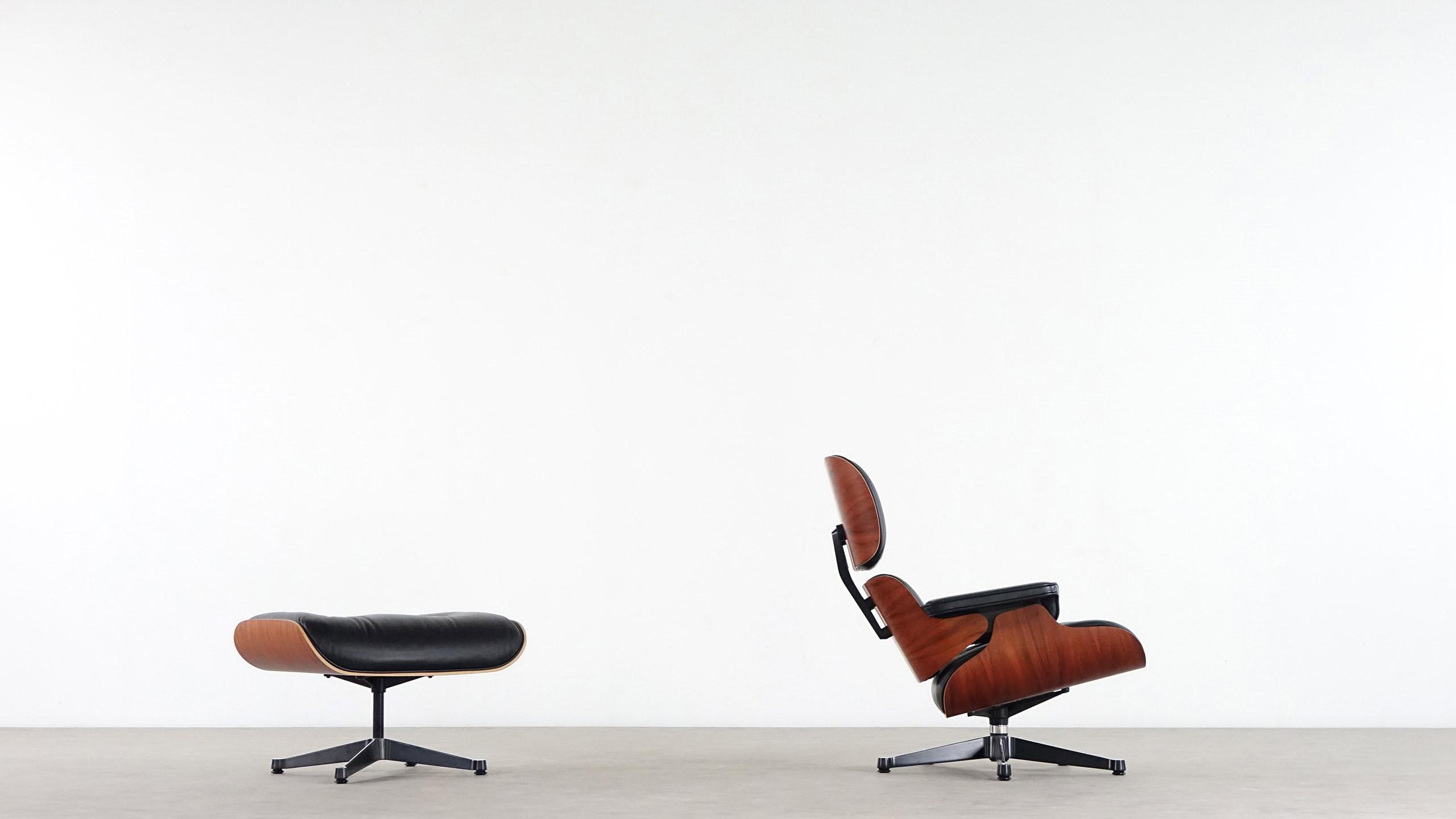 Designer: Charles Eames; Manufacturer: Herman Miller · Vitra.