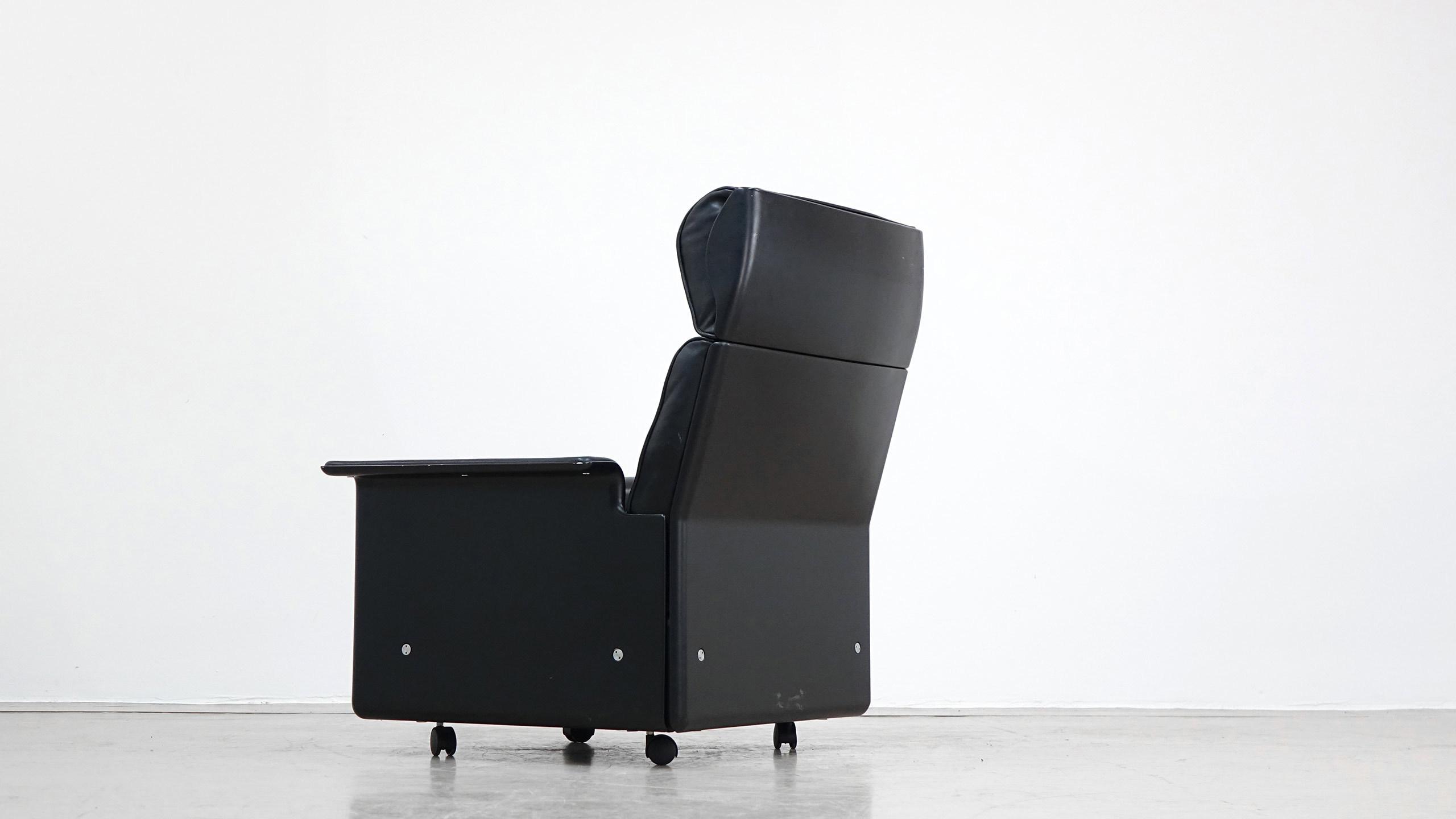 dieter rams sessel rz 620 by vitsoe. Black Bedroom Furniture Sets. Home Design Ideas