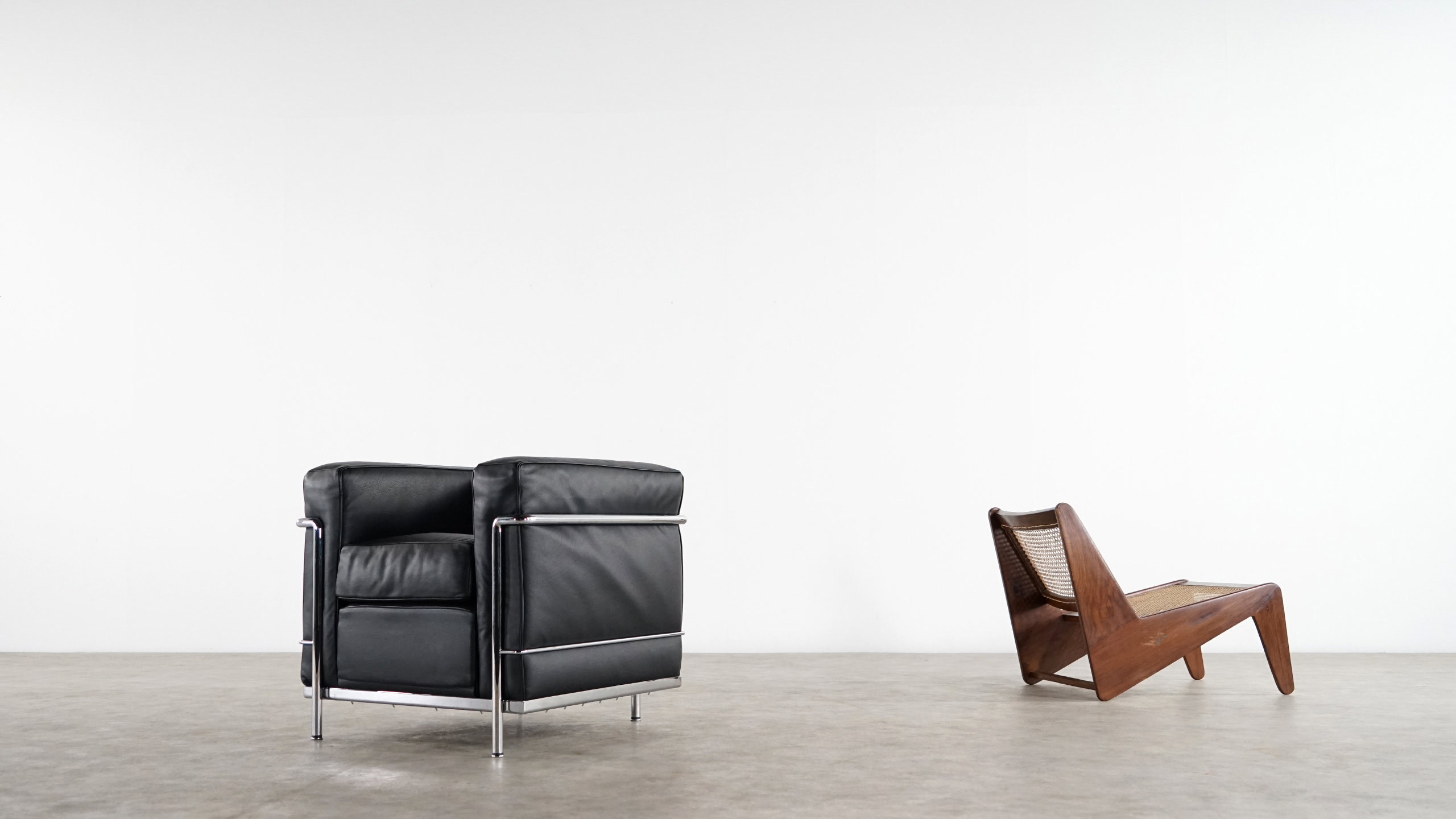 le corbusier lc2 lounge chair by cassina zorrobot. Black Bedroom Furniture Sets. Home Design Ideas
