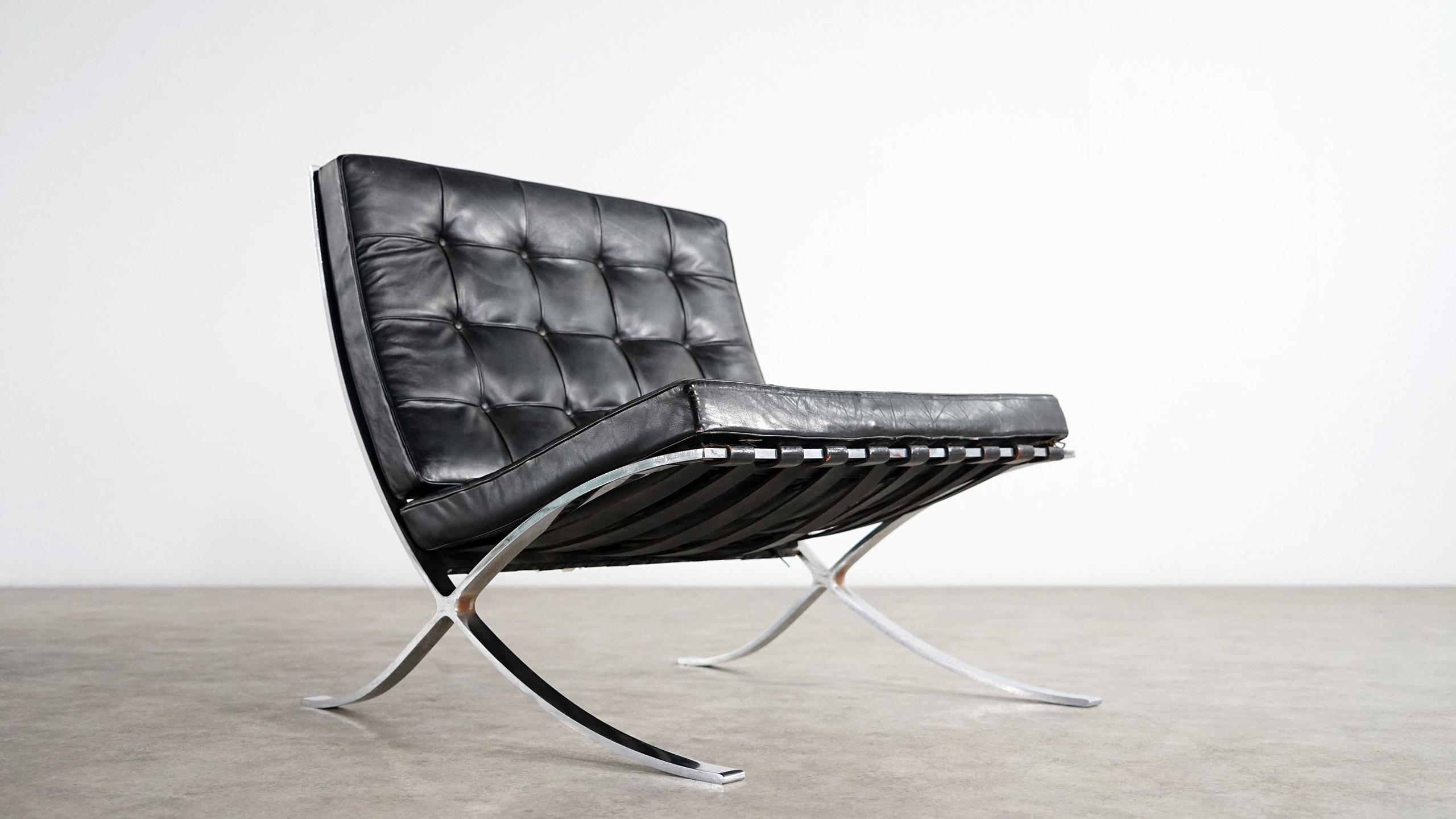 mies van der rohe barcelona chair knoll zorrobot. Black Bedroom Furniture Sets. Home Design Ideas